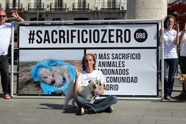 El Refugio lucha por el #sacrificiozero en Madrid.