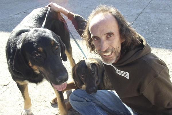 Los Reyes Magos traen una segunda oportunidad a dos perros abandonados en Talaveruela de la Vera.