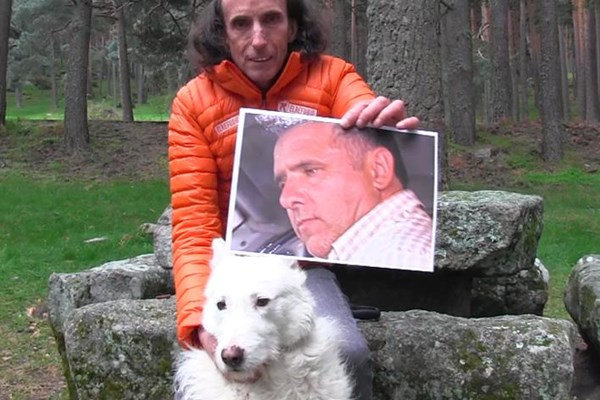 El Refugia logra que hayan condenado a 1 año y 6 meses de cárcel, al cazador de  La Finca de los Horrores de Villa del Prado, por maltrato animal continuado.