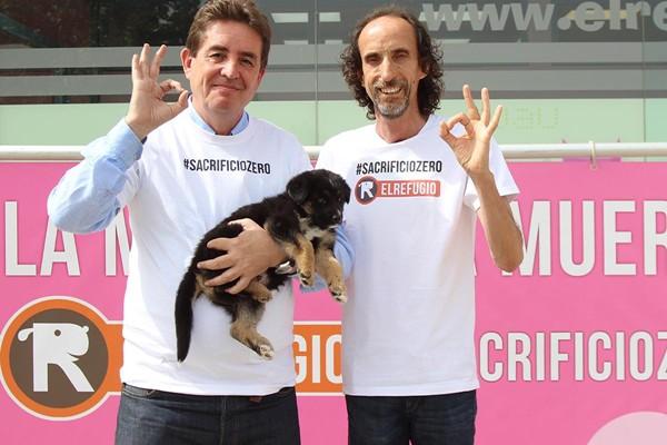 García Montero, candidato de Izquierda Unida a la Comunidad de Madrid, con El Refugio a favor del #sacrifciozero