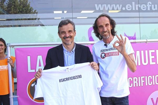 José Manuel López, candidato de Podemos a la Comunidad de Madrid, con El Refugio a favor del #sacrifciozero