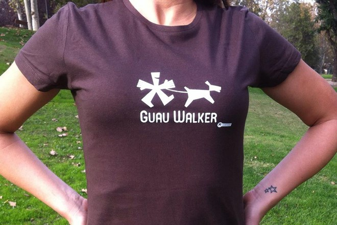 Camiseta Chica Guau Walker Chocolate