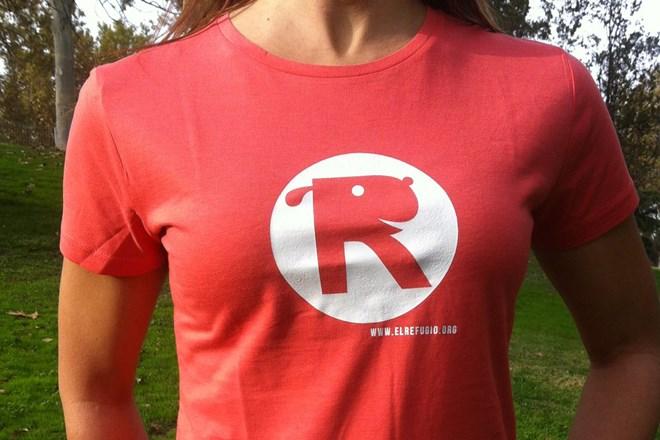 Camiseta Chica El Refugio Coral
